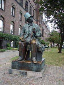 Кому из героев г х андерсона установлен памятник в копенгагене